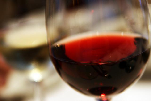 Dokázané! Pohárik červeného vína večer je výbornou prevenciou