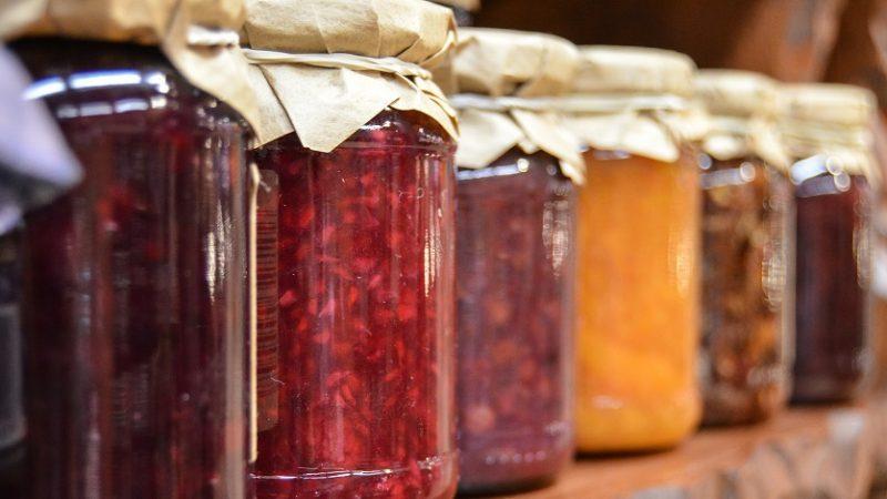 Zaváranie – ktoré 3 potraviny by vám nemali v špajzy chýbať?
